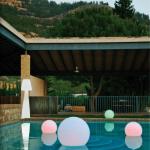 Alquiler lamparas-y-bolas-con-luz-exterior macetas
